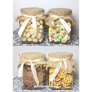 Old School Biscuits Favor in Square Jar