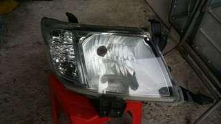 Year End Sales Lampu Depan Toyota Hilux Front Lamp