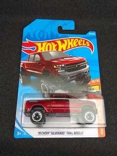 Hot Wheels 19 Chevy Silverado