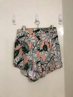 Runaway high waisted floral shorts