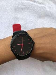 Jam tangan calvin klien swiss mode original beli di swiss cuma ga ada boxnya hilang waktu pindahan rumah, beli hrga 3 juta jual murah aja