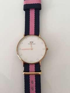 Used DW Daniel Wellington pink female watch