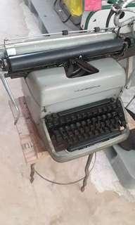 Remington Rand Typewriter. Made in Gt. Britain