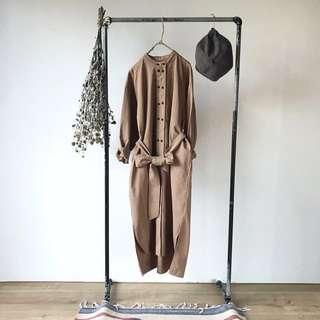 正韓  代官山中山領排釦兩穿外套洋裝(售駝色)