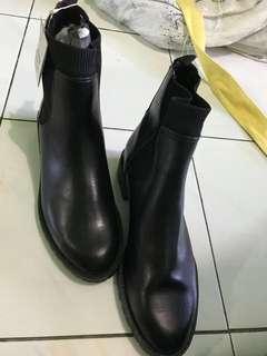 Sepatu Boots Women Stradivarius Original