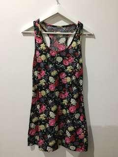 2x Floral Sleeveless Top