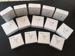 Wireless earphones airpods