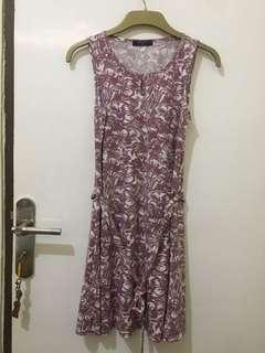 Dress Motif Simplicity