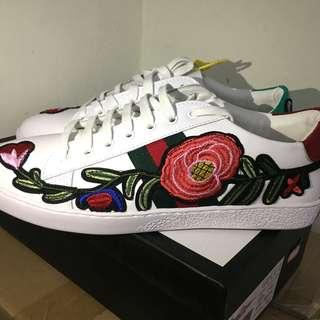 INSTOCK gucci ace embroidered rose sneakers