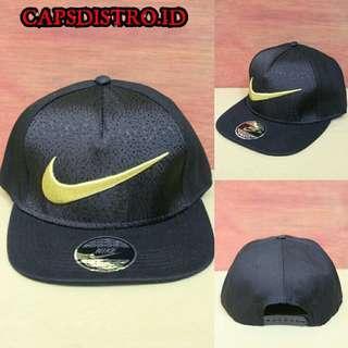 Topi Snapback Nike