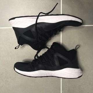 Nike Jordan 籃球鞋