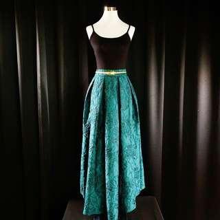 BELLO Lace Long Skirt - Emerald Green