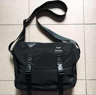 Anello Messenger Sling Bag (Small)