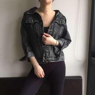 Size 6-10 vintage denim jacket