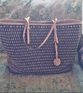 PRELOVED AUTHENTIC MK STUDDED TOTE BAG