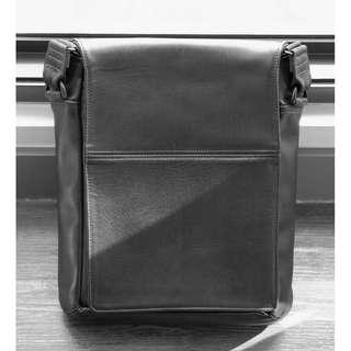 WaterField Designs Black Leather Muzetto Bag Portable Size (40% OFF)