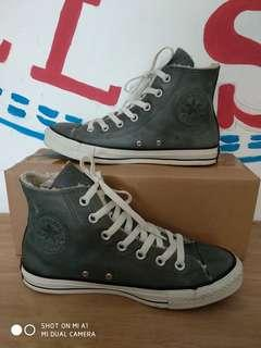 Converse leater