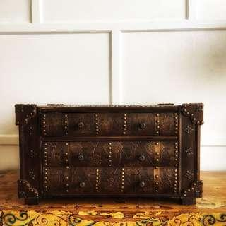 Two drawer small chest