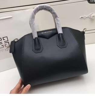 Givenchy bag size 28 small