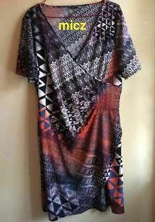 Dress motif Abstrak