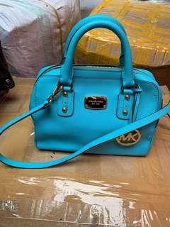Authentic mk bag, 85%new, good conditions as pic, size 25*20*15cm