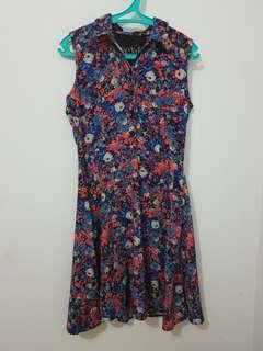 Exit dress flowery
