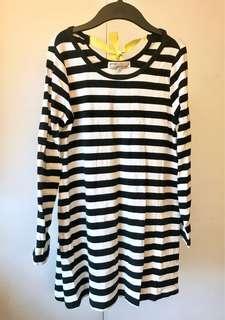🚚 Pazzo綁帶蝴蝶結。黑白條紋上衣。A字傘狀修飾身材👍🏻純棉質料觸感舒適👍🏻