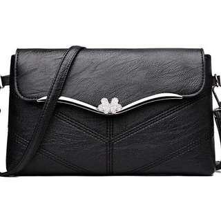 🆕 sling bag 斜孭袋 黑色 返工袋 cross body bag