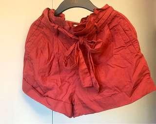 🚚 ⭐️極新⭐️Lowrys Farm荷葉邊鬆緊褲頭。磚紅色短褲。中腰設計