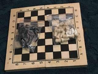2-in-1 Chess and Backgammon Board