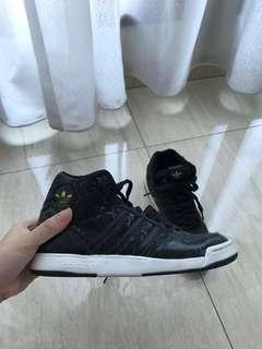 HIGH TOP ADIDAS SNEAKERS AUTHENTIC
