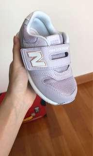 New balance kids shoes purple 16cm