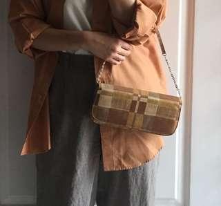 Vintage brown hand bag