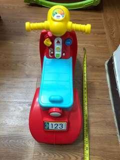 9成新玩具車 新舊如圖北角地鐵站交收