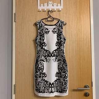 🚚 BN Monochrome Floral Dress
