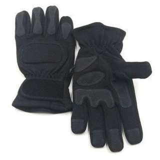 Combat Engineering Artillery Gloves. Same Specification as St Logistics stocks for the ARMY. Also Known As Combat Services Tactical Gloves. Size Medium and Large Only.