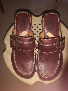 BORN leather wadge shoes