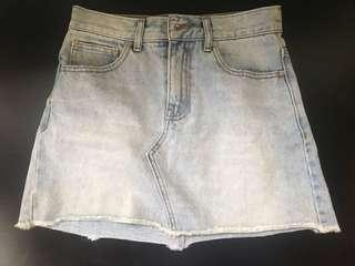 Glassons light denim skirt