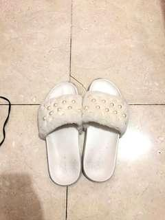 VNC Fur Sandal