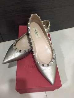 🚚 Valentino 經典平底尖頭鞋