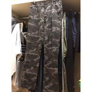 🚚 H&M 迷彩褲  camo pants