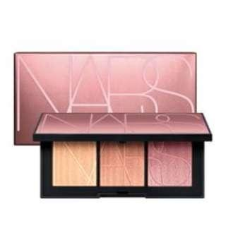 PO NARS Coucher de Soleil Highlighter
