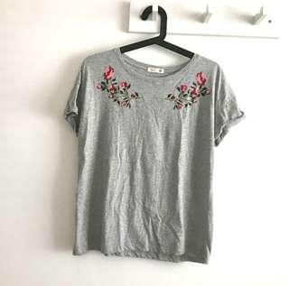 P&Co (by Padini) size L Light Grey T shirt with Red Rose pretty embroidery @sunwalker