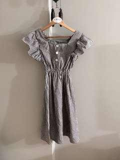 Vintage thrift gingnam ruffle midi dress
