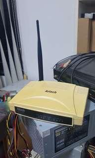 Aztech WL830RT4 Extended Range 801.11b/g Wireless Broadband Router