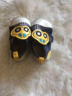 Preloved baby shoes (petit wares)