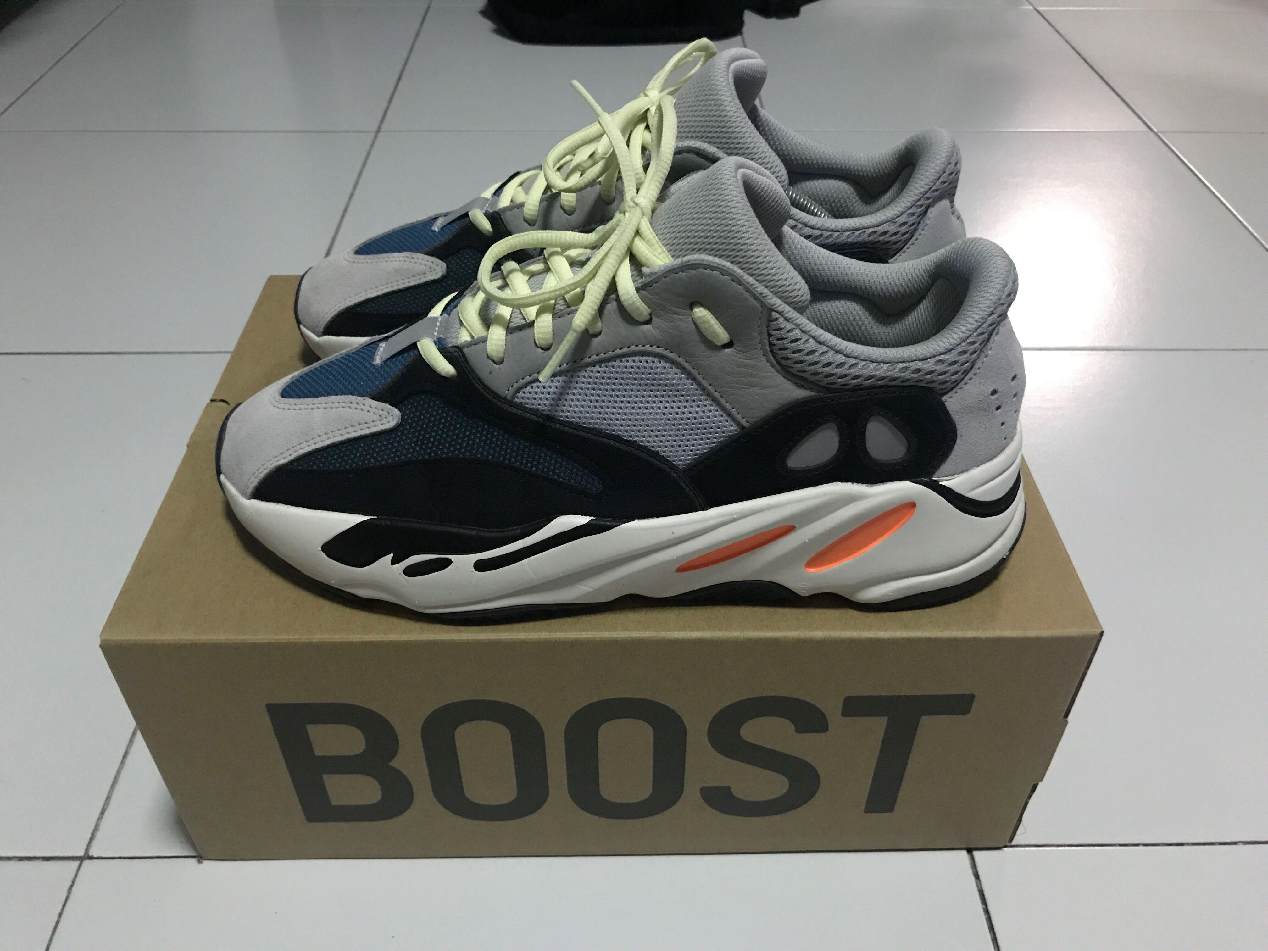 c9937a8823508 Adidas Yeezy Boost 700