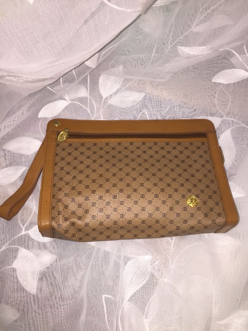 6a19c0ef337 Authentic PAOLO GUCCI ( Italian Designer )Clutch Bag