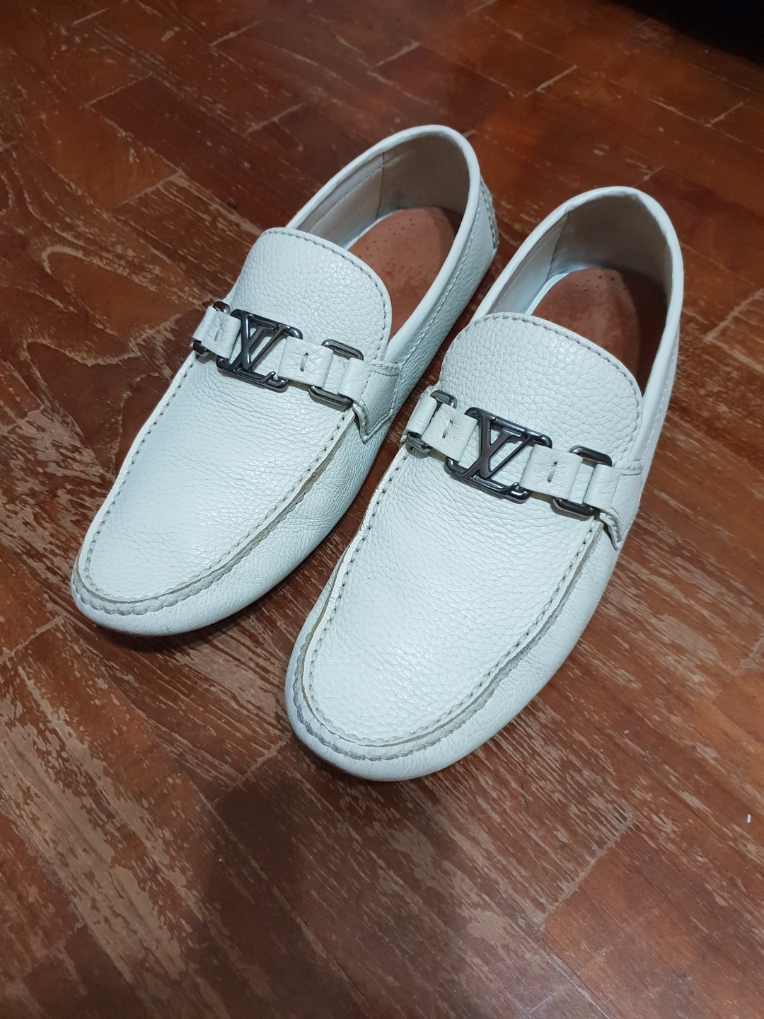 71e527b61b24 Louis Vuitton White Leather Hockenheim Moccasin Loafers