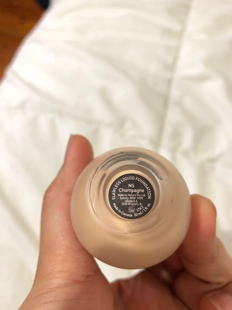 Nude by Nature Flawless Liquid Foundation shade N5 champange